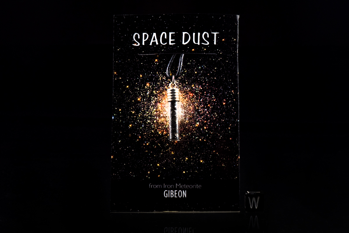 gibeon-space-dust-pendant-i