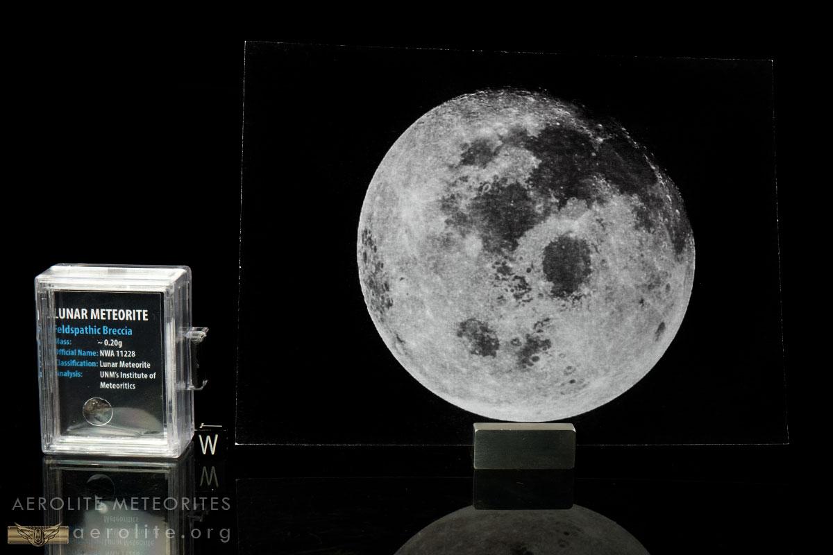 lunar-astronaut-fragment-box-iv