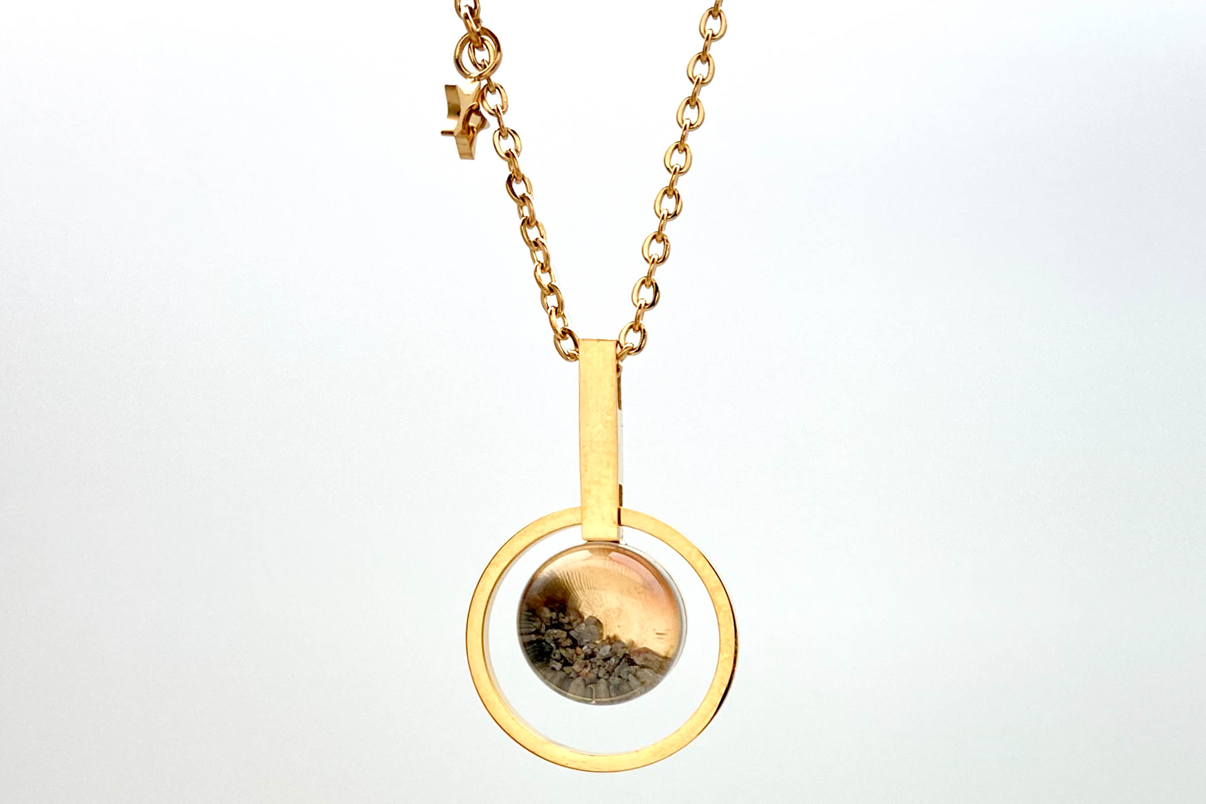 yellow gold mars rock necklace